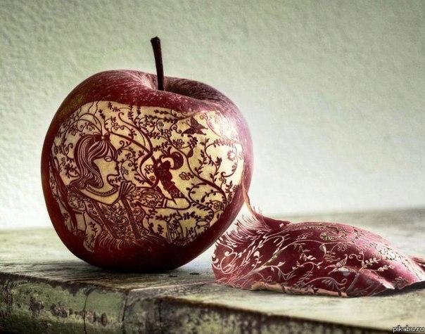 резьба на яблоке