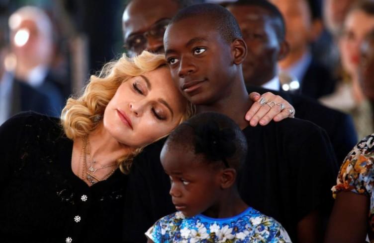 Семья Мадонны