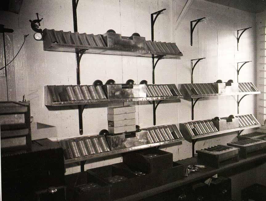 Стойки серебряных долларов внутри SS Monte Carlo перед кораблекрушением.