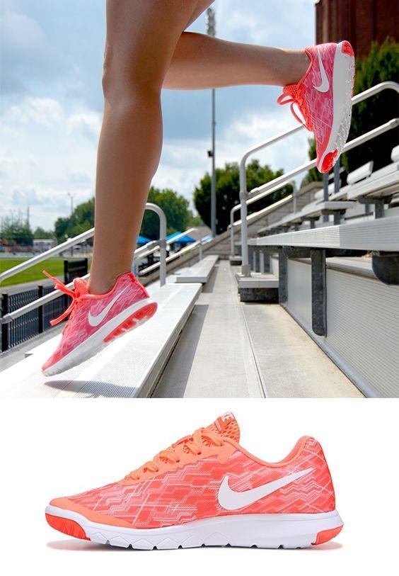 Новая модель кроссовок Nike Tanjun