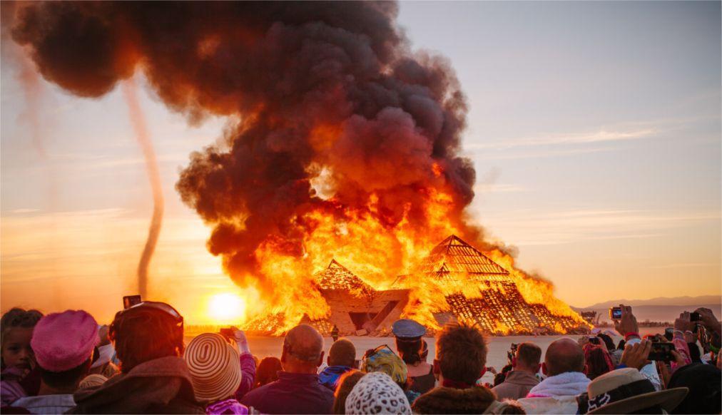 Фестиваль безумств Burning Man