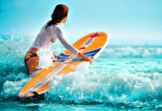 Девушки серфингистки