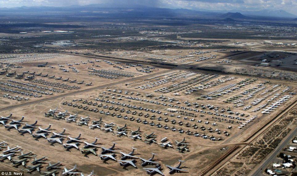 Авиабаза списанной тихники в США