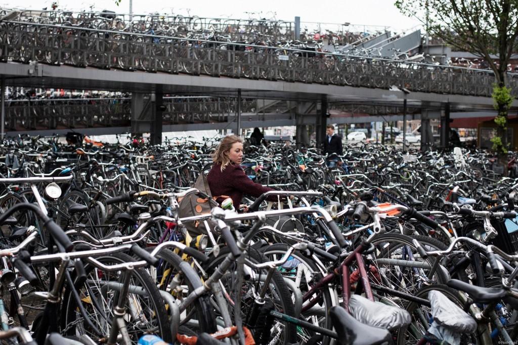 Кладбище велосипедов в Голандии
