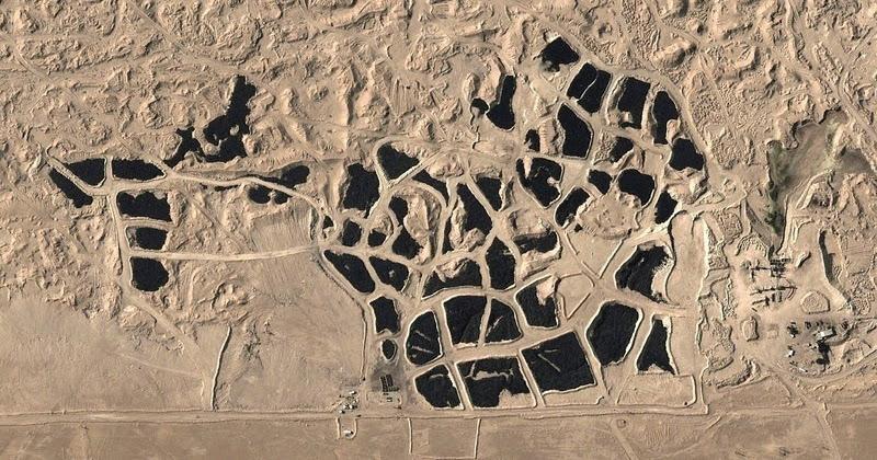 Кладбище шин в Кувейте хорошо видно из космоса