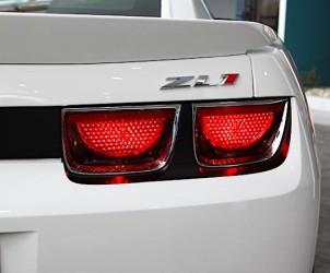 Почему у американских машин красные поворотники