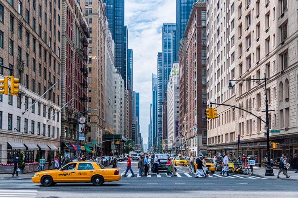 Почему в Нью-Йорке такси желтого цвета