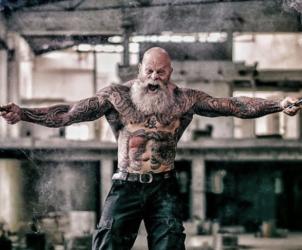Брутал Хуан Рекерс - татуированный культурист из Голландии